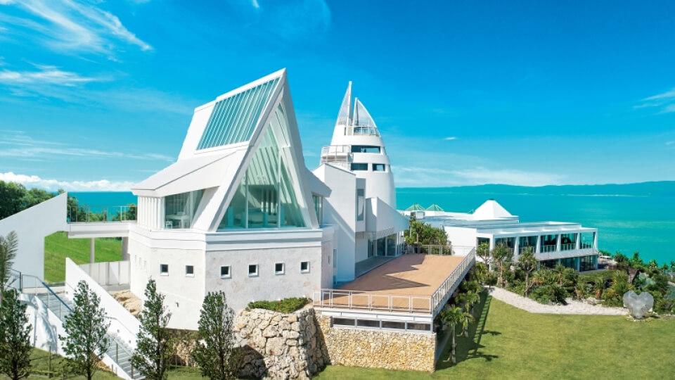 沖縄・本島 古宇利島 空と海の教会